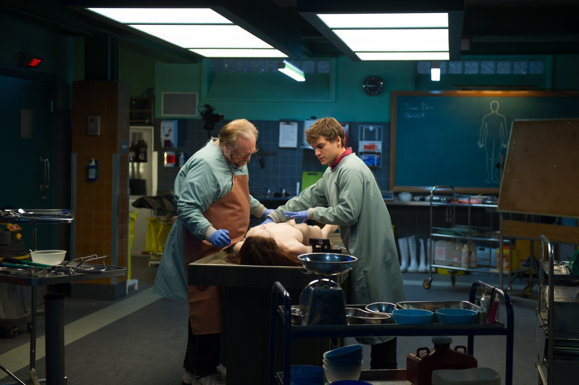 the-autopsy-of-jane-doe-brian-cox-emile-hirsch